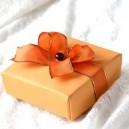 Cutie carton bej / maroniu cu funda portocalie
