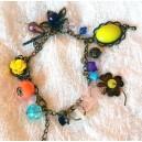 Bratara Colorata Diverse Margele Stil Vintage cu Elemente Bronz Antichizat Aspect Invechit Opulence Multicolor